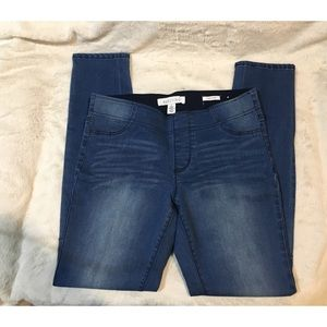 Kenneth Cole reaction jegging Jeans